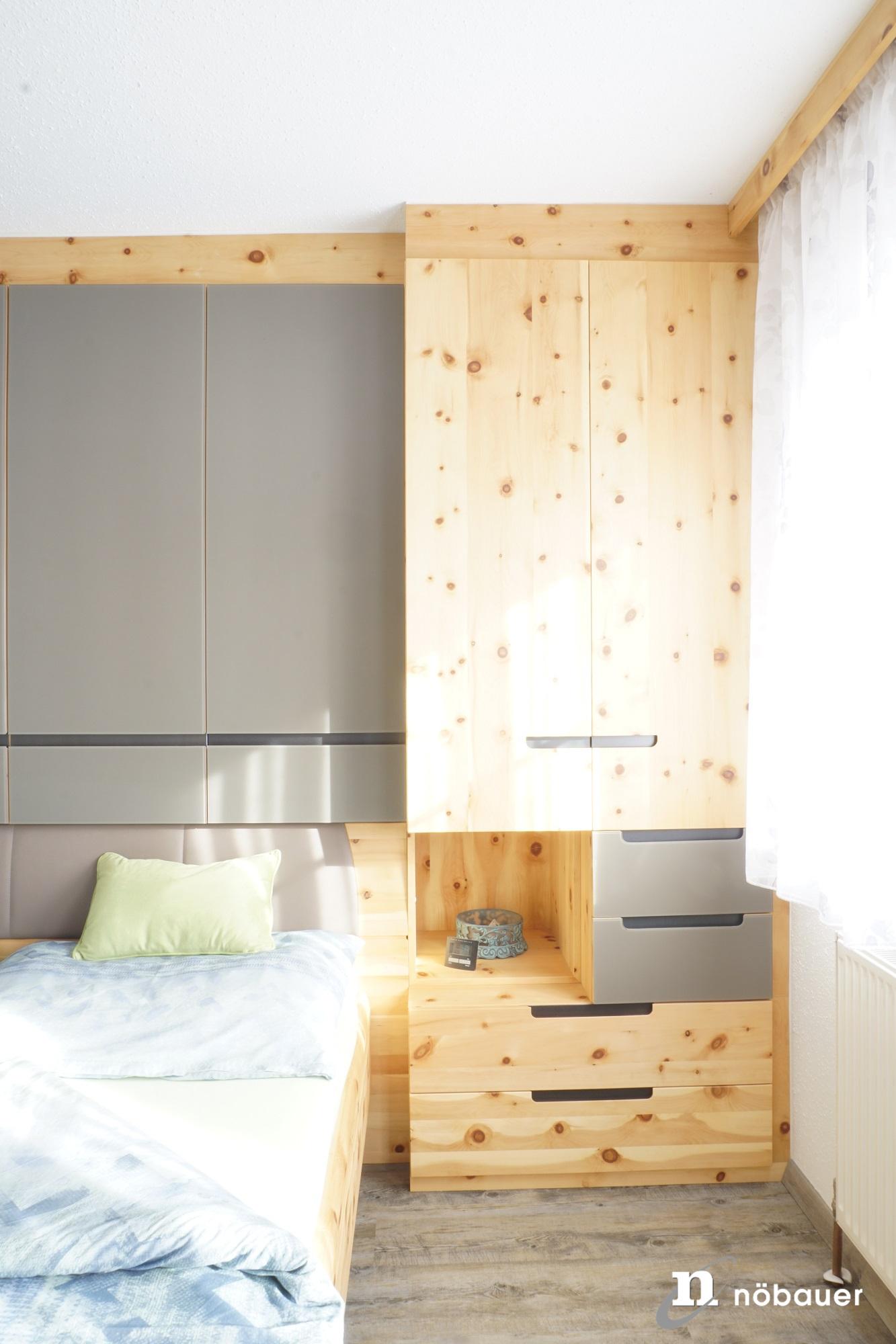 Referenz Schlafzimmer in Zirbe - Innenarchitektur Nöbauer